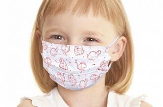 девочка с медицинской маской