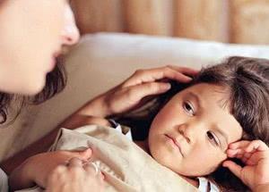 ребенок с мамой, лечение неходжкинской лимфомы у детей Израиле